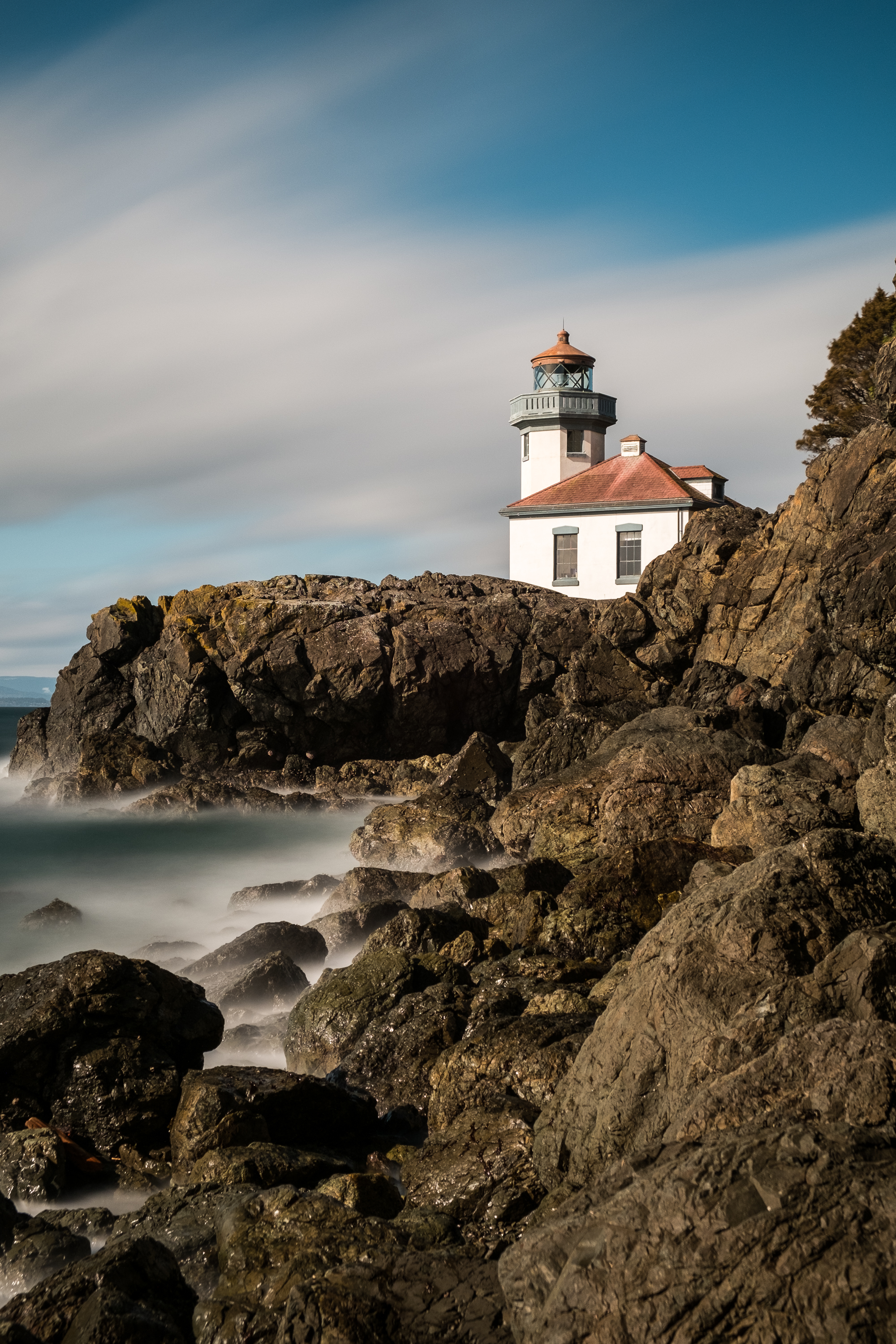 Lime Kiln Lighthouse - Lime Kiln State Park - Friday Harbor San Juan Island Washington